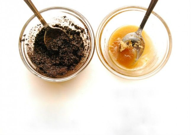 Say Goodbye to Chapped Lips With These 23 Homemade Lip Scrubs via Brit + Co.