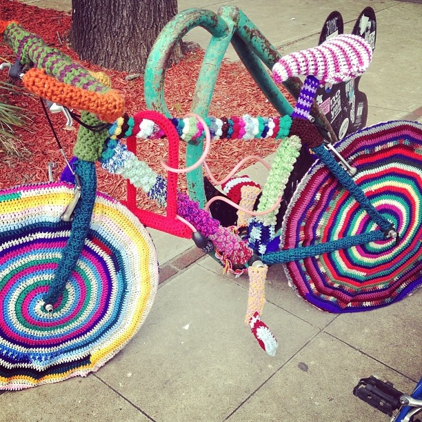Knit bombed bike. #knitting #crafts #makesomething - @dritz_sewing- #webstagram