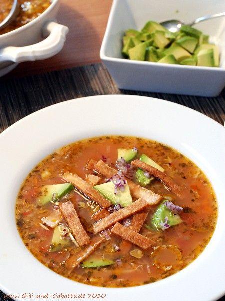 Mexikanische Limettensuppe mit Huhn - Sopa de Lima