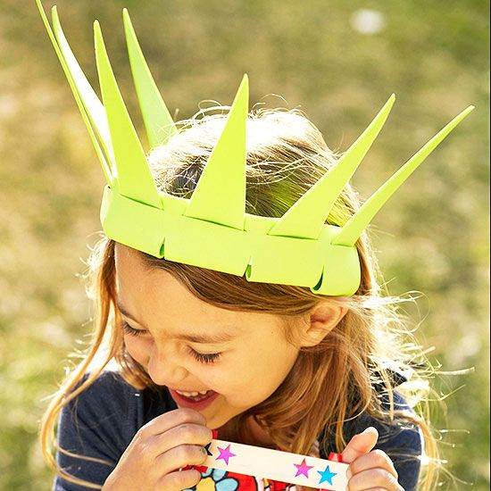 Lady Liberty crown and other fun 4th of July crafts for kids