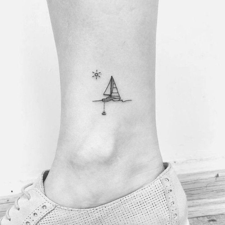 41 Unique Small Tattoos for Blonde Women