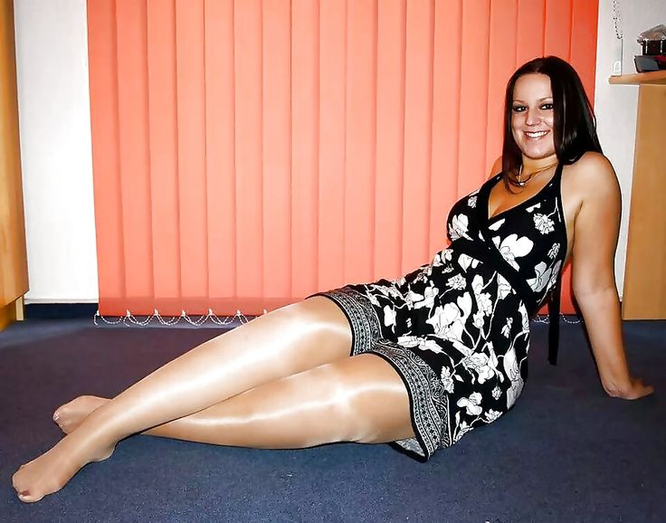 Alicia Keys Fat Legs 104