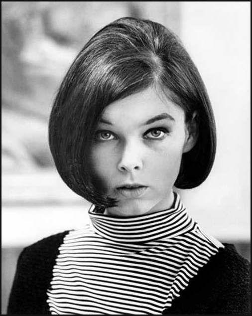 Die besten 25  Bob frisuren 1960s Ideen auf Pinterest | 1960s ... | Einfache Frisuren