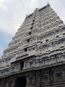 Thiruvanamalai Gopuram by Diliban P -  Click on the image to enlarge.