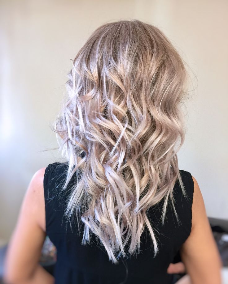 #rose-hair #platinum-blonde #blond-hair #wavy-hair #wavy-look #hollywoodhair #texture #haircolor #jbeverlyhills #1concept #yourbeautymasters