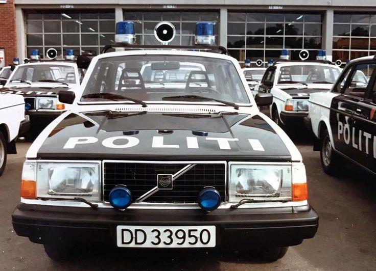 Volvo 240 police car. Love this vintage Volvo! #volvo240