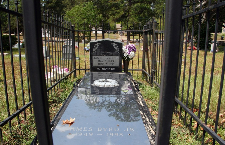 This is James Byrd's gravesite! Murdered by 2 white supremacists in 1998 in the town of Jasper, Texas! . Same town Jasper, Texas  Where just recently two white male cops brutally beat a 25 year old black woman and it was caught on tape! What is going on in Jasper,Texas?!