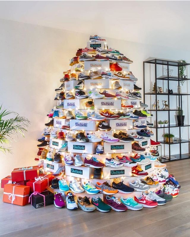 Christmas Shoe Tree.What Shoe Would You Dream About Finding Under The Tree On
