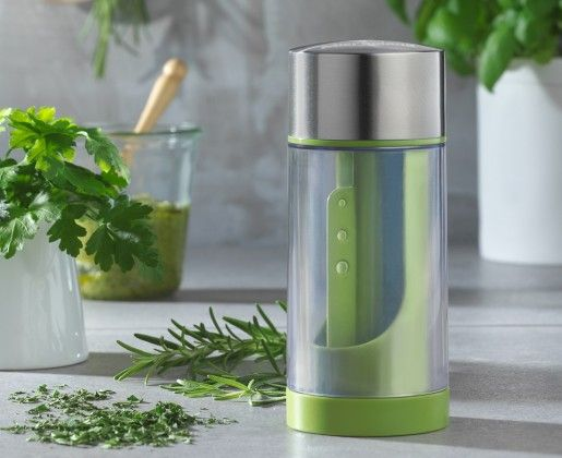 With a dual function, this handy gadget gently removes the leaves of stemmed herbs with an integrated stripper, and then minces them smoothly with the patented dual-action stainless steel blades.