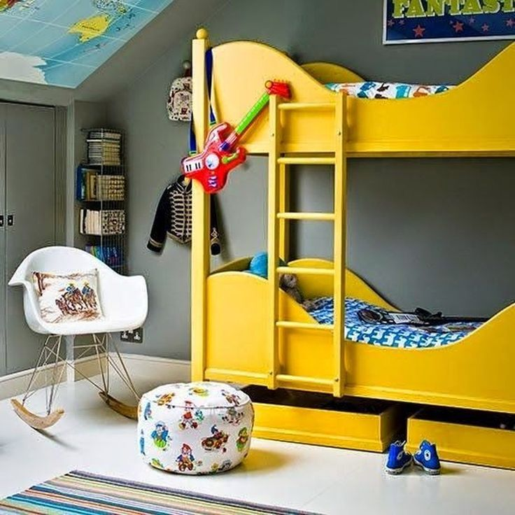 Мы подскажем варианты для детских комнат с двухъярусными кроватями http://on.fb.me/1SPNXmm
