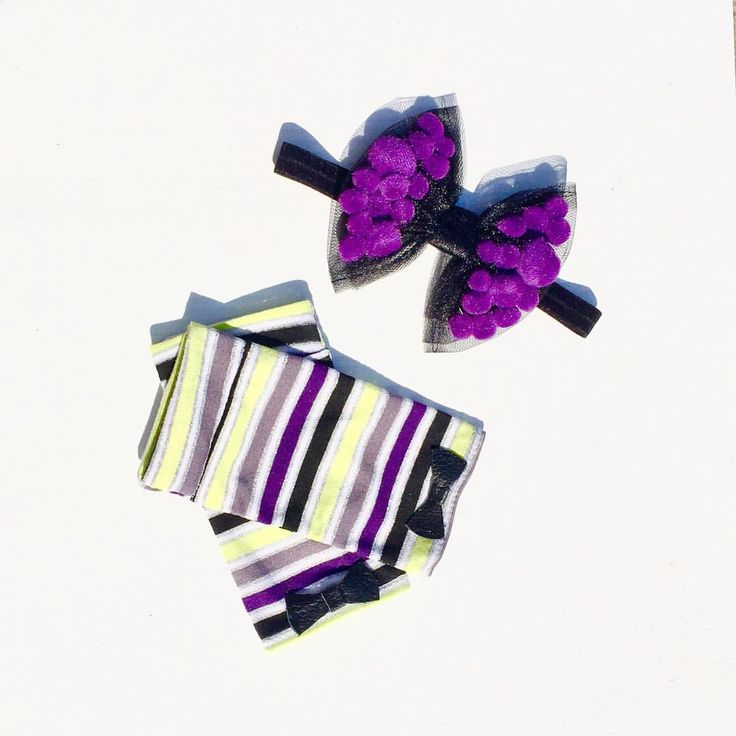 Colors make the world go around, brighten up & add color! 🌈💜💚💛 #queendelicious #lilprincesscollection #babylegwarmers #legwarmers #stripedleggings #cutelegwarmers #babylegs #colorfullegwarmers #babystyle #toddlerstyle #trendybaby #winterlegwarmers #funlegs #babybow #toddlerbow #babyheadband #purpledots