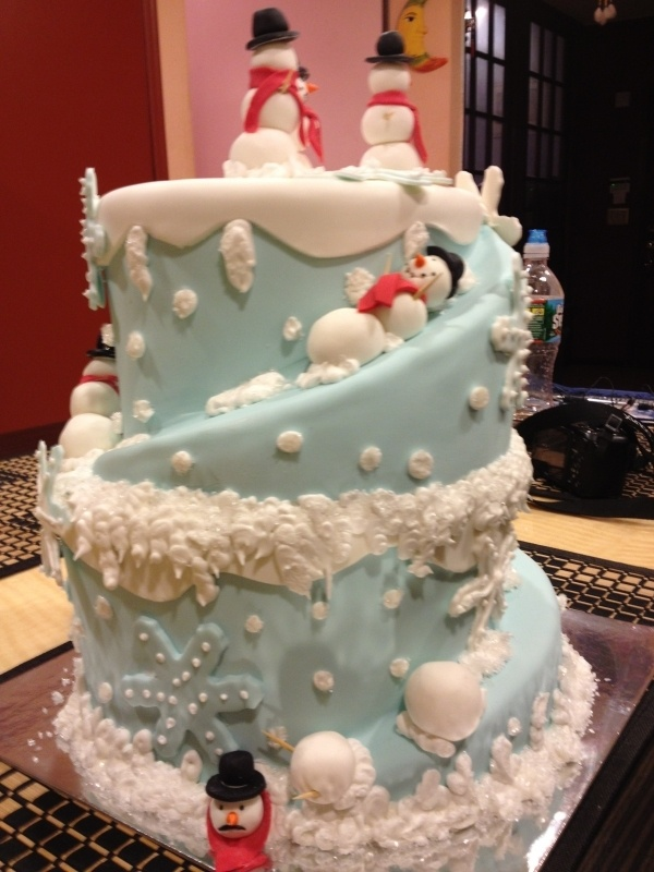 Snowmen Sliding: LOVE THIS! Perfect for a winter party or groom's cake
