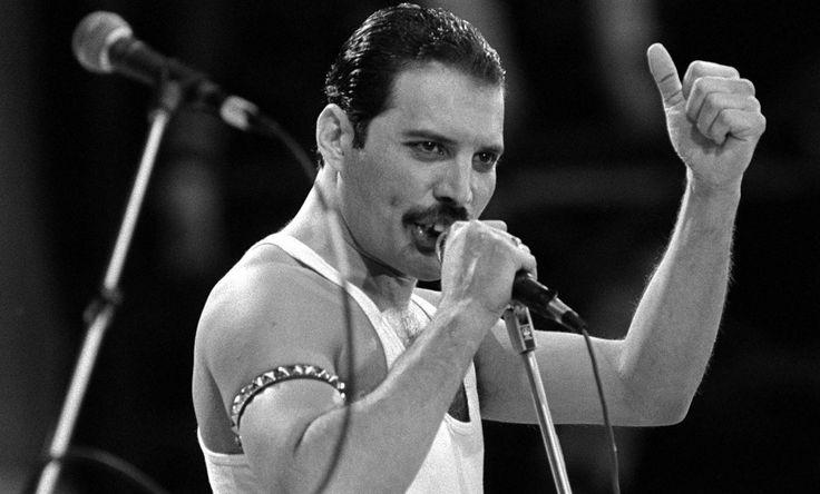 Y al día siguiente Murió … Freddie Mercury y sus últimos momentos de vida.