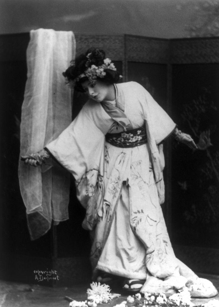 American Soprano Opera Singer Geraldine Farrar As Le Character In Madame Erfly