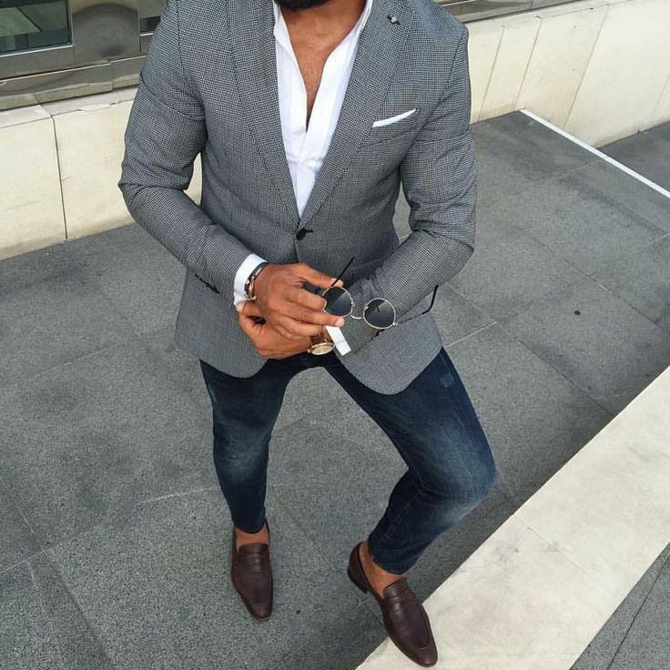 Die: brown Shoes + Blue jeans + White simple shirt + lightgray blazer