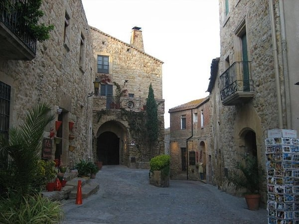 #Ujué, Navarra. Pueblo de estrechas calles y casas de piedra.