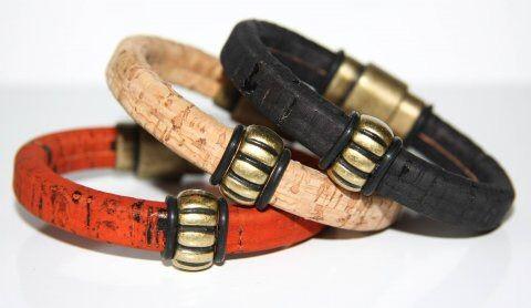 Unika armbånd fra With a Twist - Malene Erstrand. Kig forbi og se de unikke armbånd i helt nye materialer.