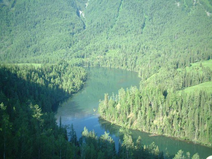 ユーラシア旅行社のシルクロードツアーでアルタイ山脈の麓カナス湖へ。