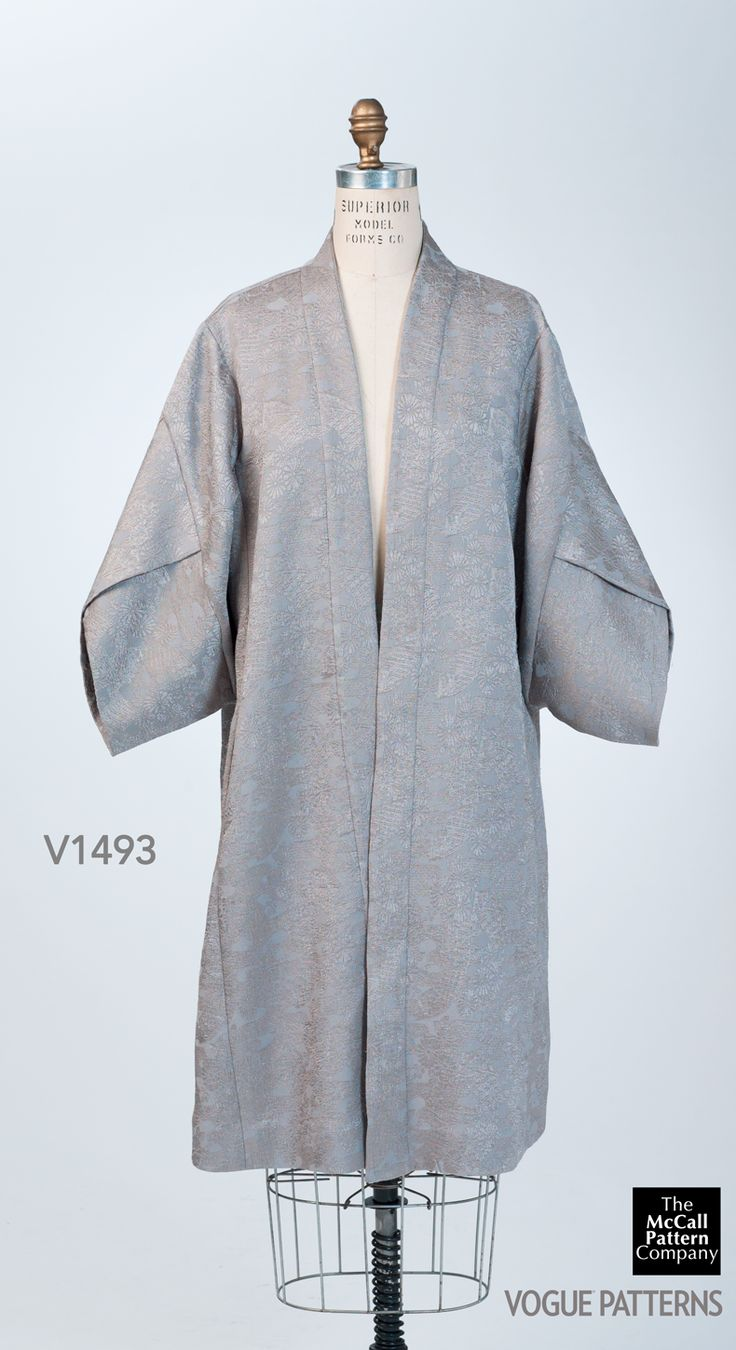 Vogue Patterns V1493 kimono as sewn by Meg Carter for the McCall Pattern Company. Fabric is a lightweight, seafoam jacquard with a japonaise motif.