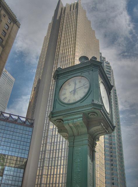 Union Station - Toronto, Ontario  (by kevbo1983, via Flickr)   ~ Canada