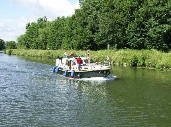 Hausboot Frankreich 600x446 im Frankreich Reiseführer http://www.abenteurer.net/716-frankreich-reisebericht/