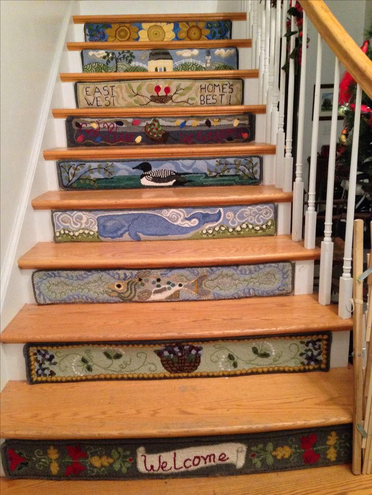 Rug hooking stair risers: Nine down only a few more to go!