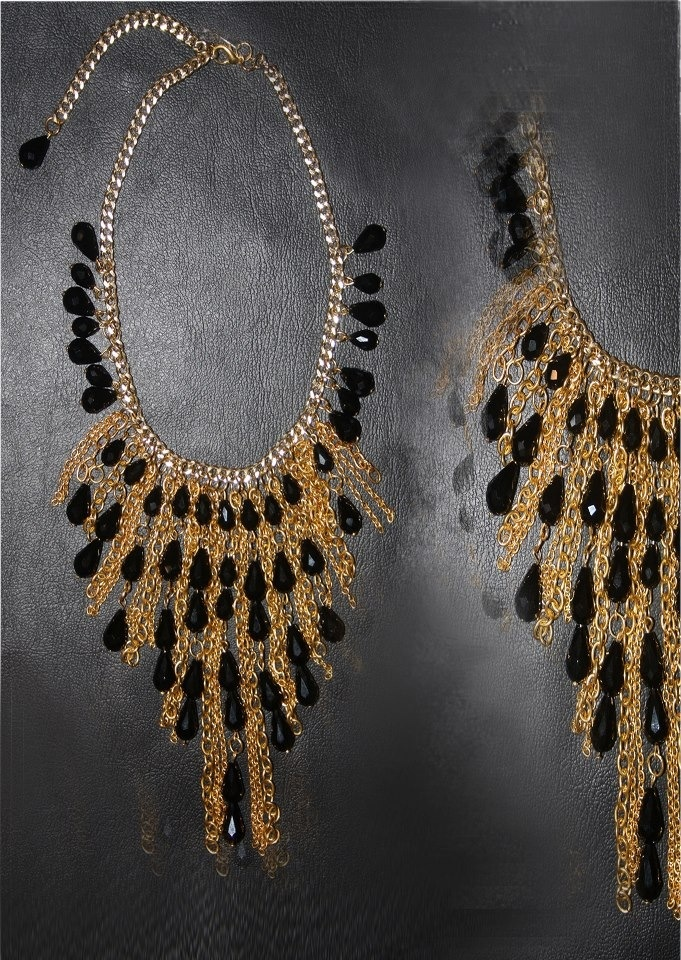 Necklace Ingrid For order and info: contact@intidharsaleh.com http://www.facebook.com/pages/Intidhar-Saleh/194611523977854?ref=hl