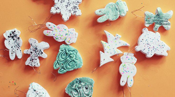 Aujourd'hui un nouveau DIY super facile à faire : des décorations de Noël un brin kawaii pour décorer son sapin et le rendre un peu trop cool. J'ai adoré faire ces décorations,…