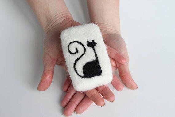 Felted Lavender scented soap 5 oz   / Merino wool by YniusFelt