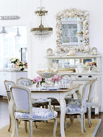 I love the beach theme combined with the French look. Elegant but casual at the same time.