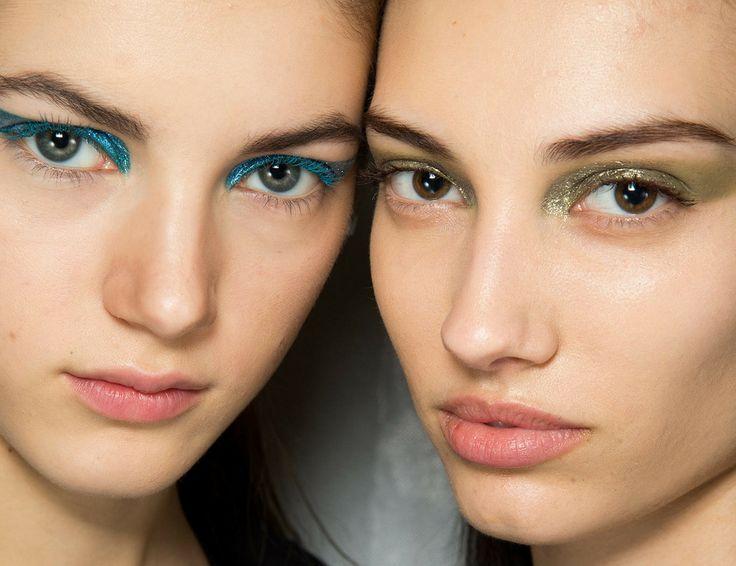 2014 Sonbahar Kış Makyaj Trendleri: Mavi Göz Makyajı - http://pemberuj.net/2014-sonbahar-kis-makyaj-trendleri-mavi-goz-makyaji/