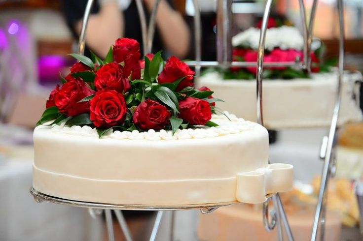 Membuat Kue Pengantin dari Lapis Surabaya? Lihat Fakta Menarik Ini!