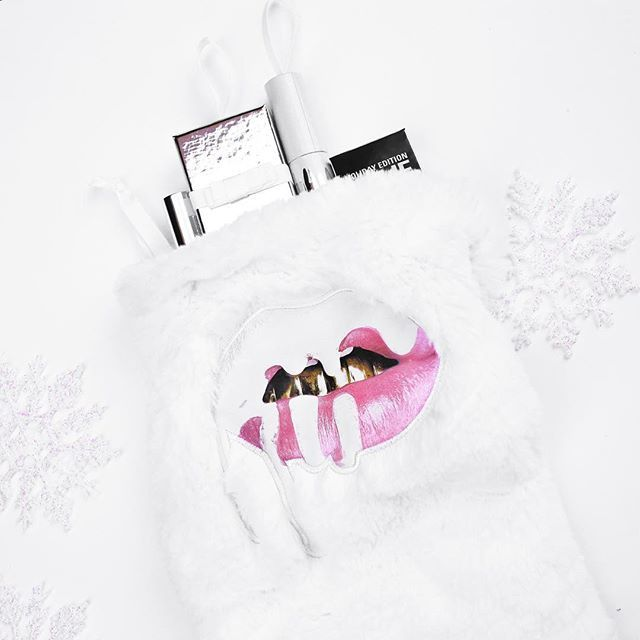 @kyliecosmetics: Stay tuned on Kylie's snapchat today! #HolidayEdition