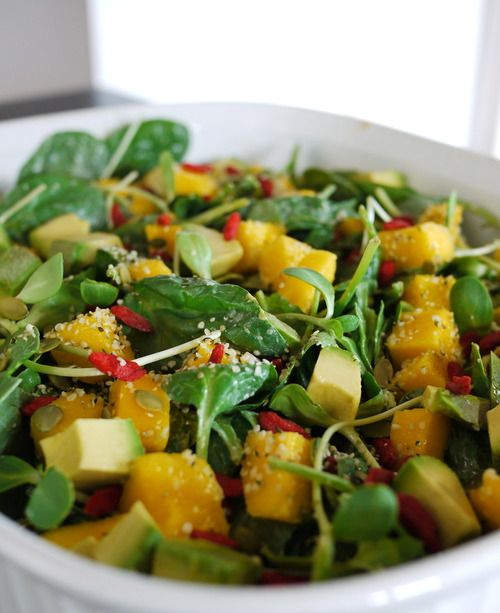 Spinach Salad With Mango and Goji Berry | freshncrunchy