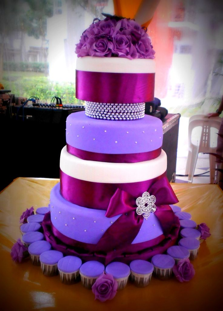 purple wedding cake images 1000 ideas about purple wedding cakes on 18918