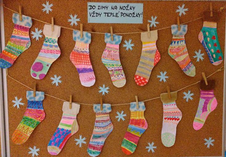 Ponožky - voskovky, vodové barvy.
