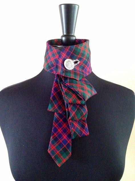 Collier cravate Ecossais est tellement amusant ! Parfait pour votre look vacances et uniques. Plus