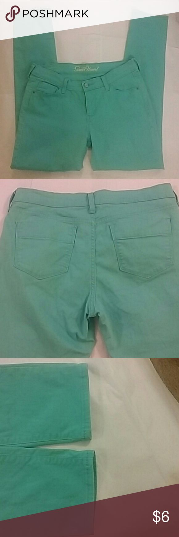 Old Navy Turquoise Jeans Straight leg Old Navy SweetHeart Turquoise jeans in very good used condition. These jeans have no stains, holes, worn spots, or fraying. Button and zipper work like new. Old Navy Jeans