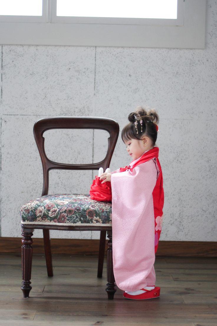 スタジオズイムです。七五三3歳さんのお写真です。ミッフィーちゃん 巾着に入るかな?お耳が出てるのがまたかわいいね(*´∀`*) #仙台写真館#仙台写真スタジオ