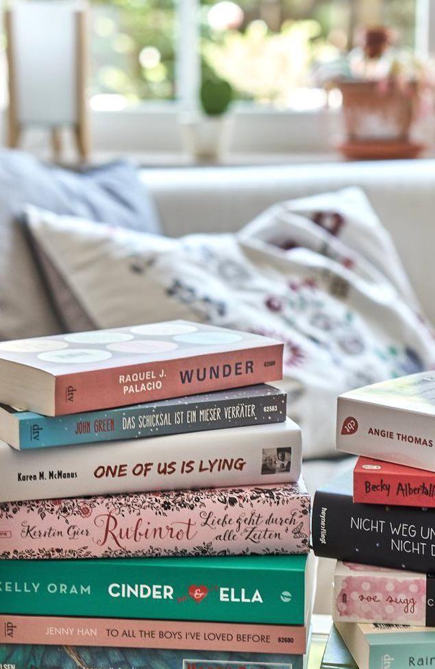 Meine Liebsten Jugendromane Rubinrot Harry Potter Und Viele Mehr In 2020 Inspirational Books Book Photography Book Aesthetic