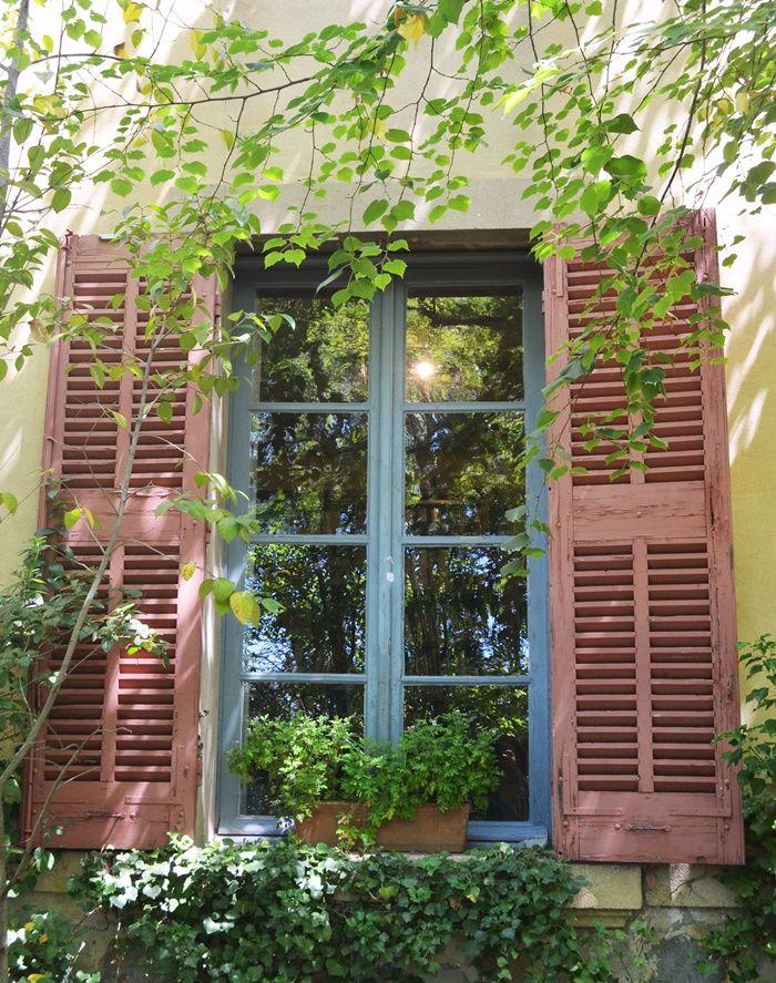 El luminoso Atelier de Cézanne en Aix-en-Provence / Vero Palazzo - Home Deco Aix En Provence, Palazzo, Fresco, Boho Decor, Home Deco, Terrace, Outdoor Structures, Windows, Doors