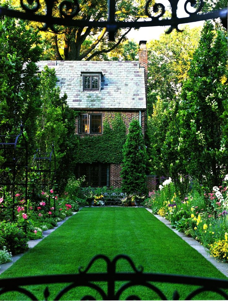 A well-manicured garden - I like the lawn border. ~ http://ownerbuiltdesign.com ~ Residential design and drafting solutions for Hawaii homeowners, real estate investors, and contractors. Most projects ready for permit applications in 2 weeks or les