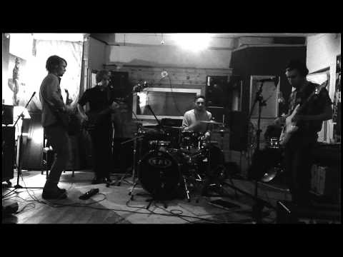Xeno Overnatured recorded live in rocket .