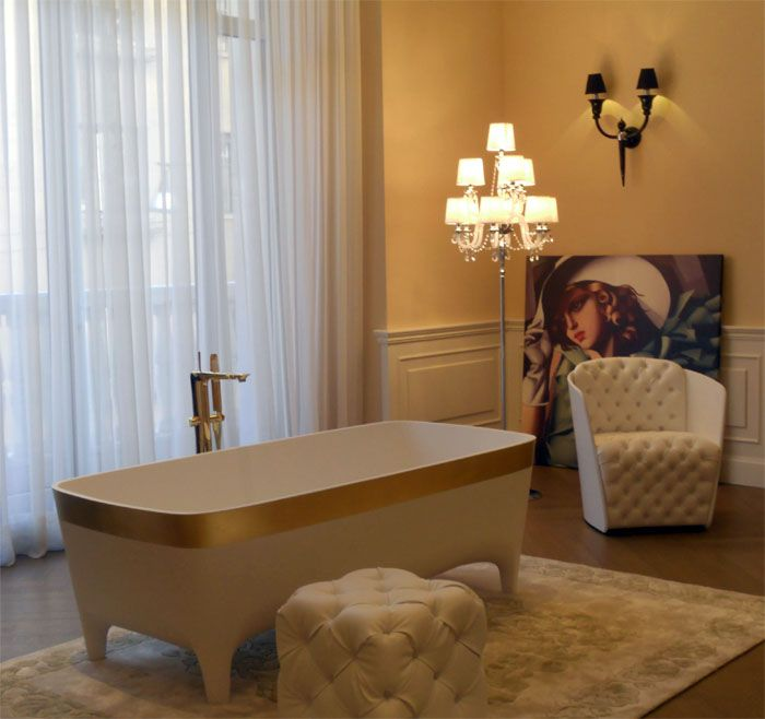 Golden Accademia #Bathtub, a luxury icon at the five star Hotel Palazzo Parigi #Milan #Teuco