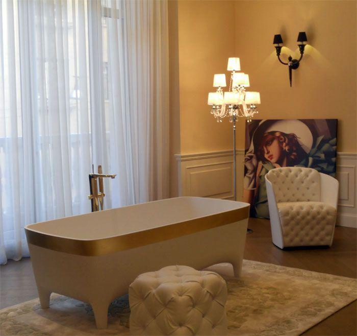 Golden Accademia #Bathtub, a luxury icon at the five star Hotel Palazzo Parigi #Milan #Teuco