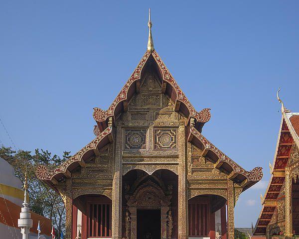2013 Photograph, Wat Phra Singh Phra Ubosot Gable, Tambon Phra Sing, Mueang Chiang Mai District, Chiang Mai Province, Thailand. © 2013.  ภาพถ่าย ๒๕๕๖ วัดพระสิงห์ หน้าจั่ว พระอุโบสถ ตำบลพระสิงห์ เมืองเชียงใหม่ จังหวัดเชียงใหม่ ประเทศไทย