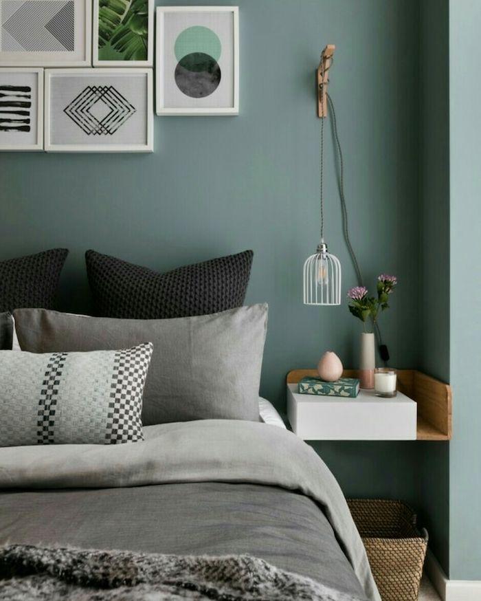 Superb Murs Couleur Vert De Gris Foncé Dans Une Chambre Adulte Design, Linge De  Lit Gris
