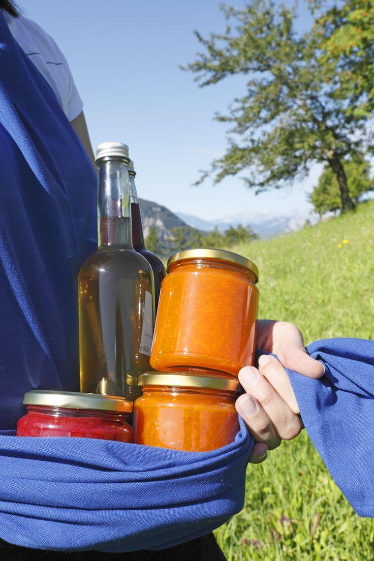 Produktvielfalt: Ob Aufstriche, Sirupe, Säfte oder Käse - Südtirols Bauern der Marke Roter Hahn bieten es an.