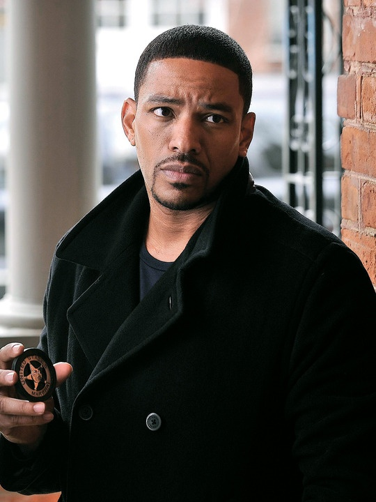 Breakout Kings (TV show) Laz Alonso as Charlie Duchamp