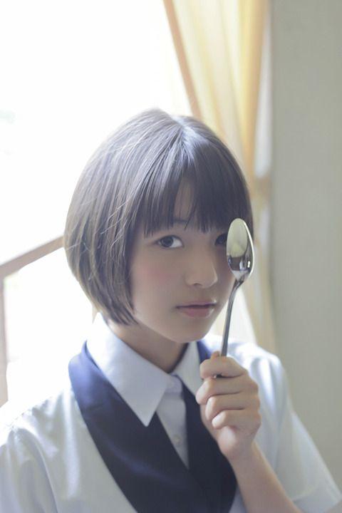kawaist:  Kikkawa Hinako 吉川日菜子  Japanese actress born in 1999.